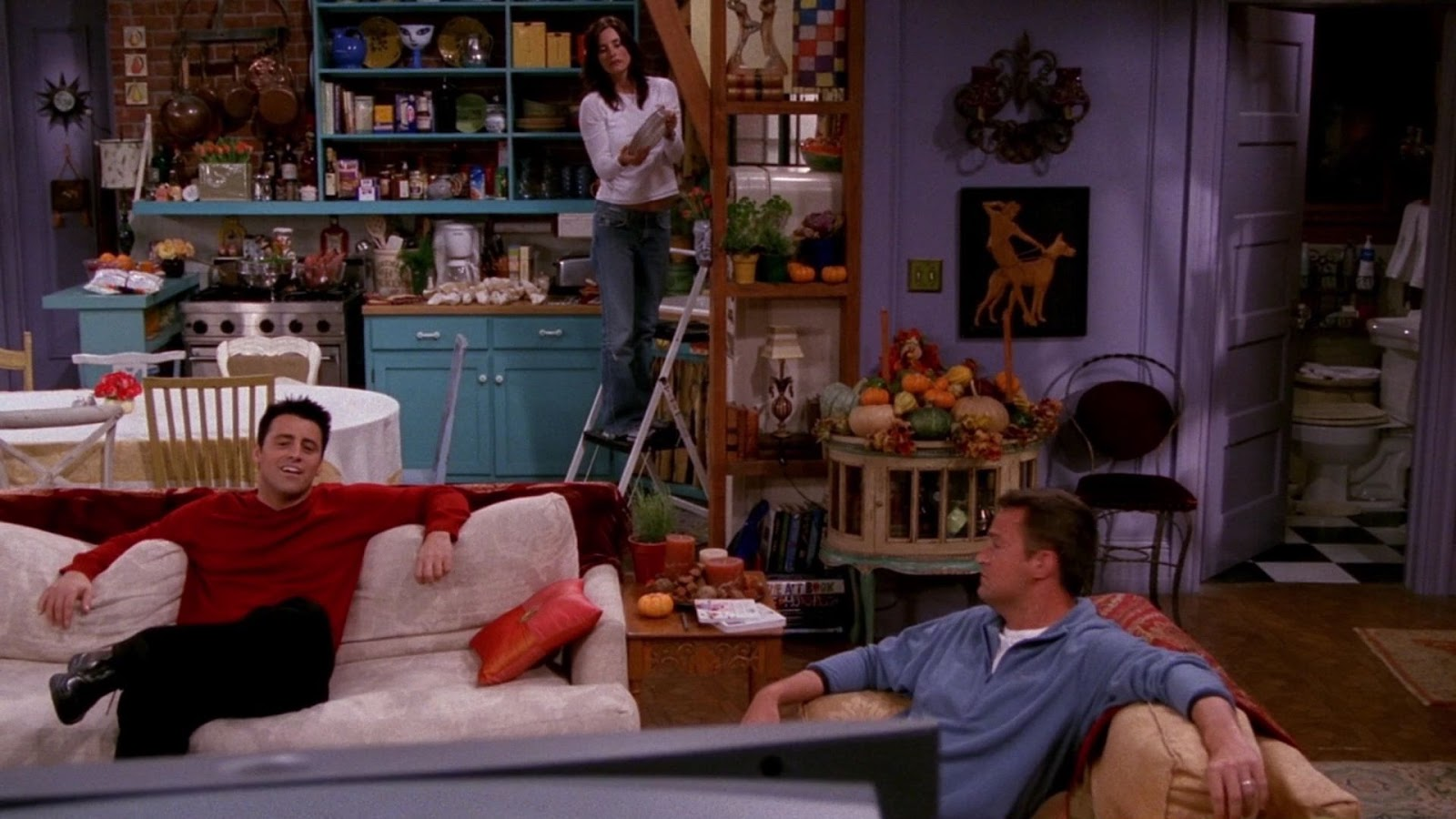 Why Monica S Apartment On Friends Was Eclectic Style Goals