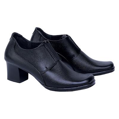 Sepatu Pantofel Boot Wanita Catenzo US 049