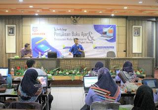 Dongkrak Performa Dosen, dengan Workshop Penyusunan Buku Ajar dan Media Pembelajaran Digital