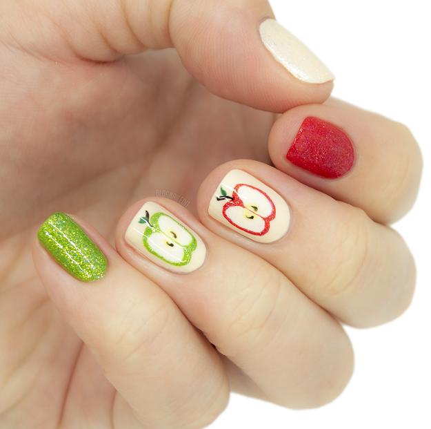 nail art apple nails