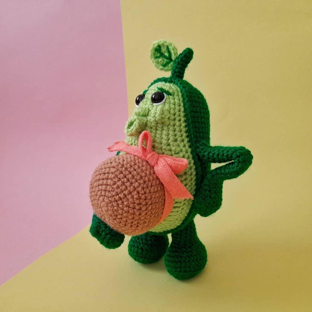 Беременное авокадо игрушка крючком