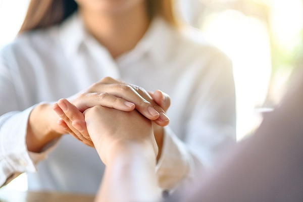 كيف تكون شخصا أكثر تسامحا