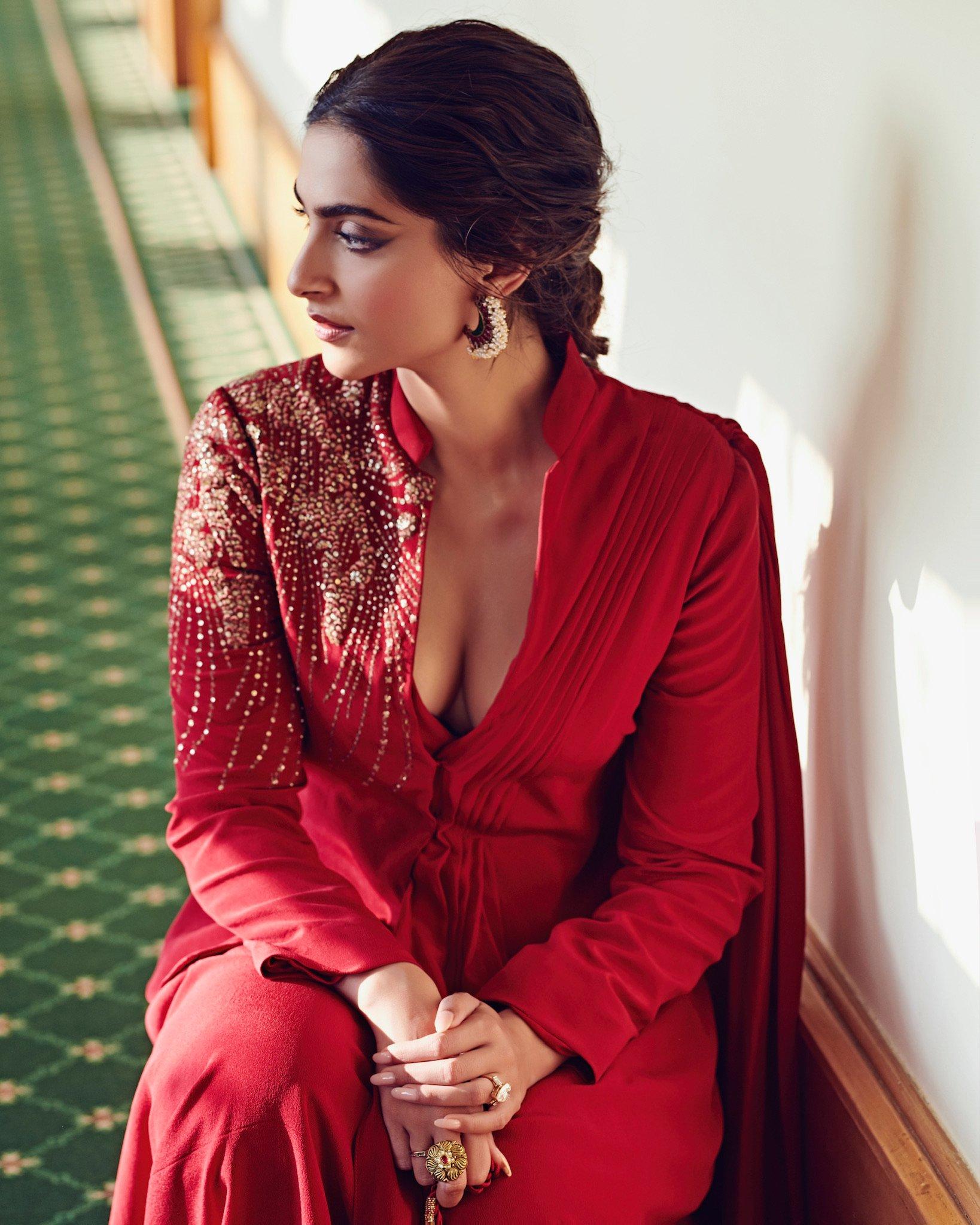 Sonam Kapoor hot 11