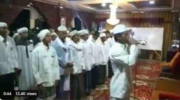muazin-pelantun-azan-jihad-ditangkap-peci-hingga-sarung-disita-polisi