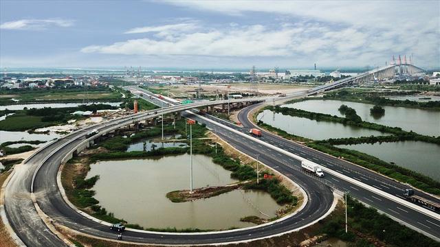 Hạ tầng giao thông đồng bộ, hiện đại bậc nhất Việt Nam