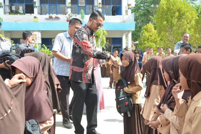 Dua Tahun 13.413 Siswa Nikmati Seragam Sekolah Gratis Pemkab Sinjai