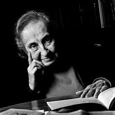 Elena Martín Vivaldi, En el corazón de la noche, Ancile