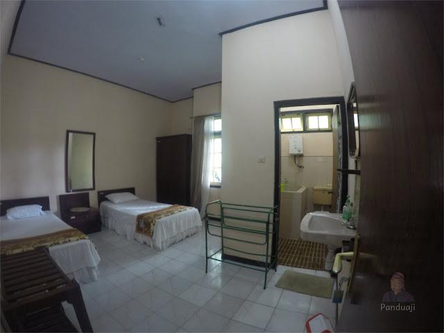 Kamar di Villa Sirah Kencong