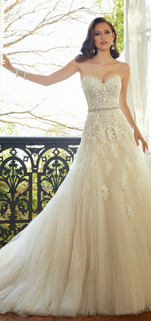 beautiful wedding gowns for girls with sleeves