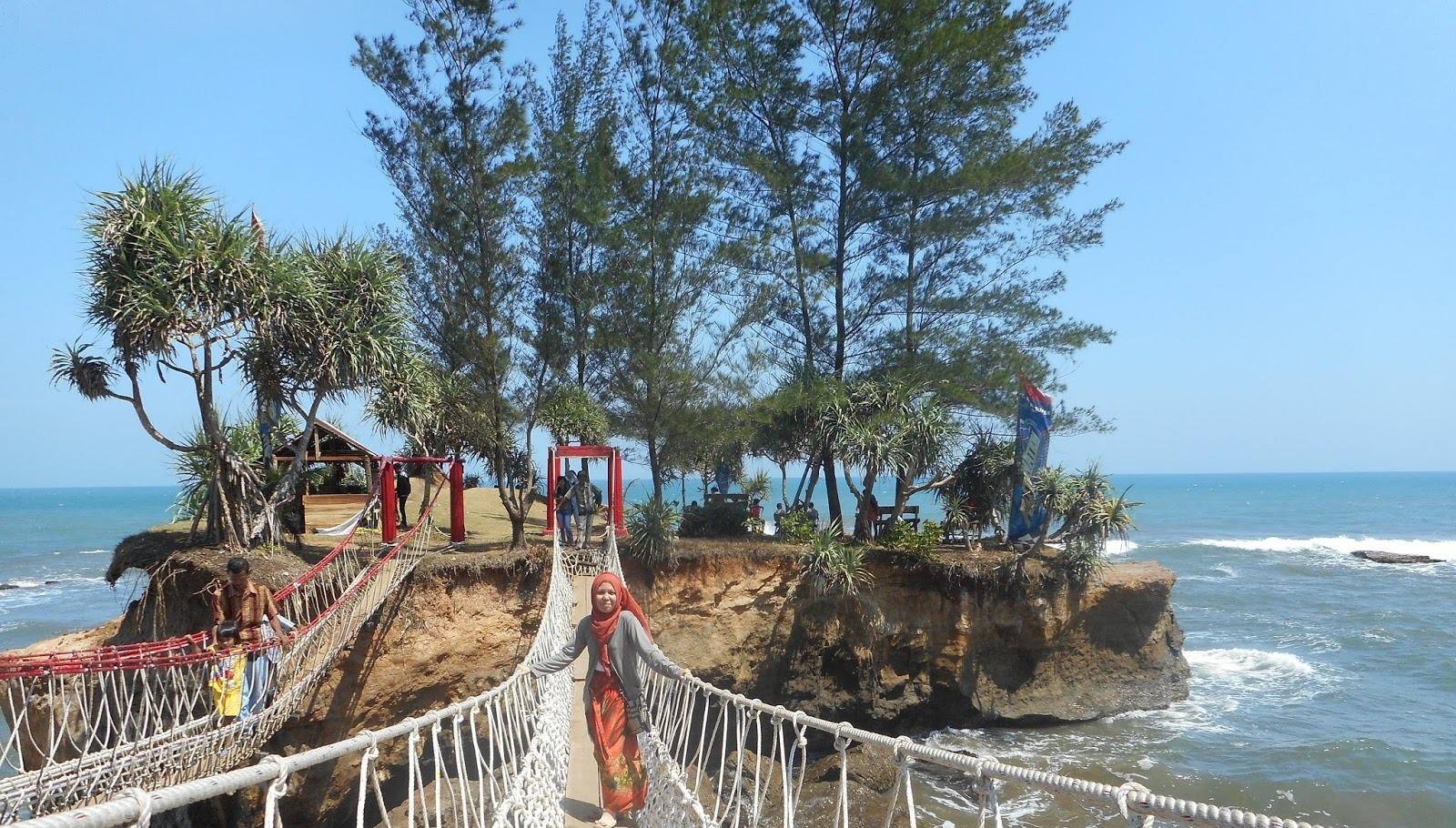 Bambang Purnomo Blog: Pesona Wisata Kota Bengkulu - Pantai ...