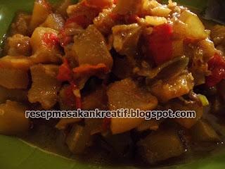 Makanan dengan sensasi rasa pedas sangat disukai oleh sebagaian besar masyarakat Indonesi RESEP OSENG OSENG MERCON KIKIL