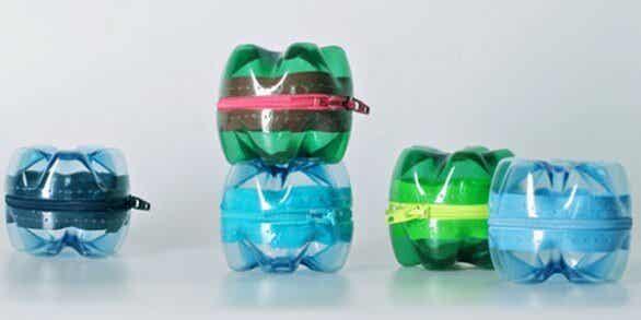 Cách tái chế chai nhựa làm ví đừng đồ