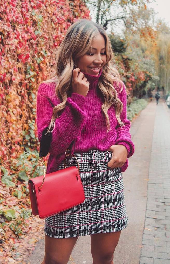 great fall outfit idea / knit sweater + plaid skirt + red bag