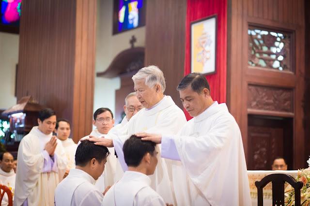 Lễ truyền chức Phó tế và Linh mục tại Giáo phận Lạng Sơn Cao Bằng 27.12.2017 - Ảnh minh hoạ 23