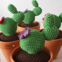 http://gateandocrochet.blogspot.com.es/2015/07/patron-cactus-amigurumi.html
