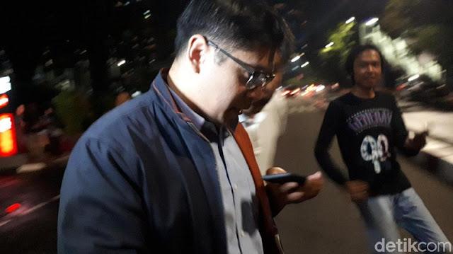 Diperiksa KPK soal Suap Meikarta, Saksi Ini Menunduk 'No Comment'