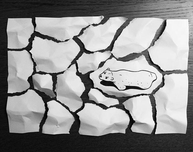 Artista dibuja historietas en el espacio 3D usando solamente pluma y papel