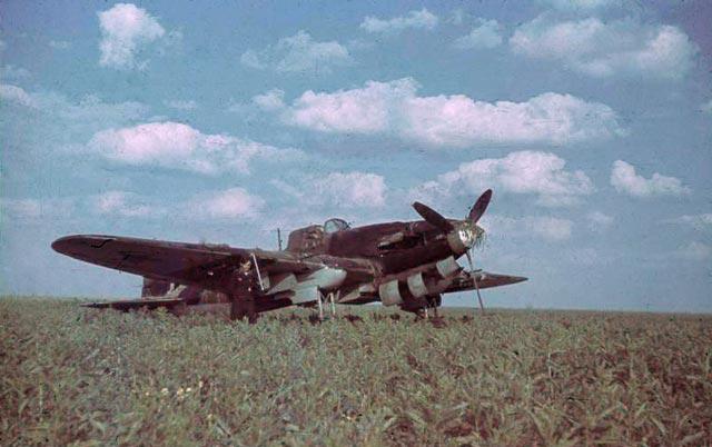 Ilyushin Il-2 Shturmovik worldwartwo.filminspector.com
