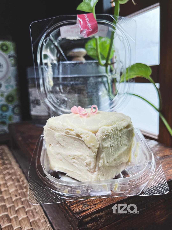 Red Velvet Cake Family Mart