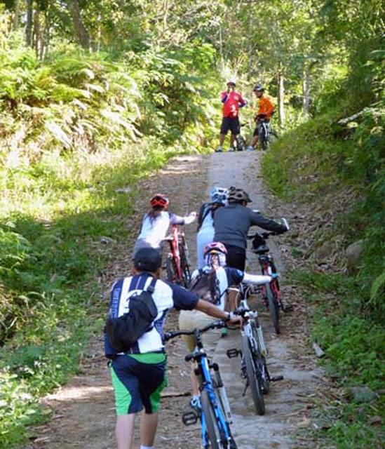 Bersepeda ke Air terjun Jeruk Manis Tetebatu Lombok Tengah