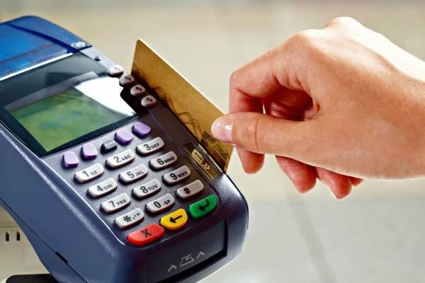 O estudo  ouviu a opinião de usuários de cartões de crédito de lojas e elegeu as melhores e piores bandeiras de cartões. Confira o ranking completo: