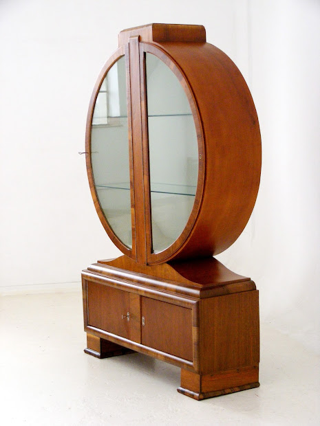 Vamp Furniture Art Deco Display Cabinet 16 March 2018