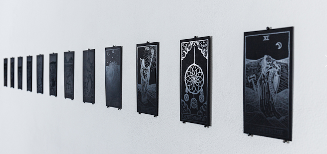 Jonathan Naas, Superstition / Supervision, Tarot d'Alma, Arcanes Majeures, 2020 © Sébastien Zimmermann