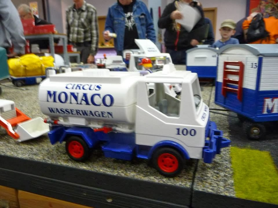 Super Circusmodellbau: Circus Monaco Playmobil NW-52