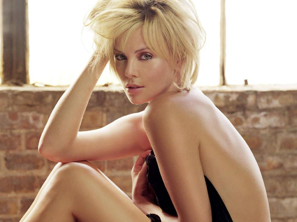 charlize theron sexy nude