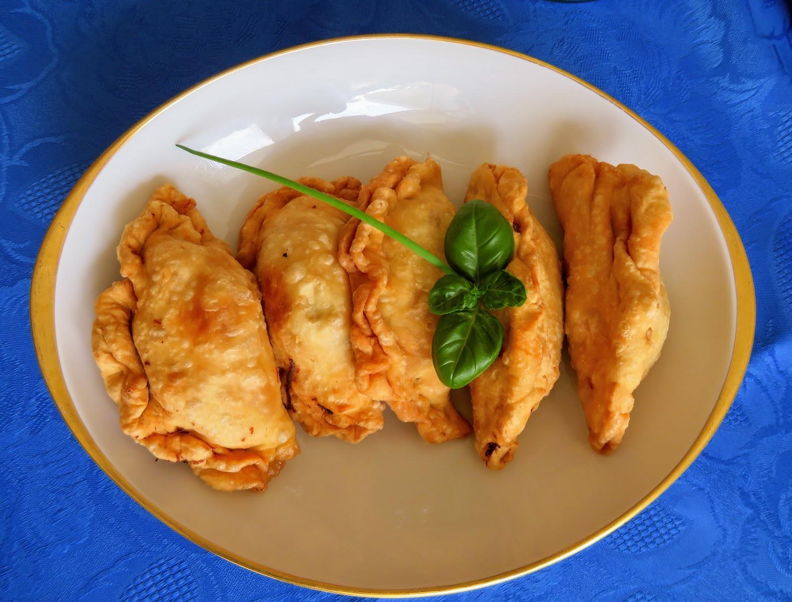 Pastel, Frittierte Teigtaschen aus Indonesien