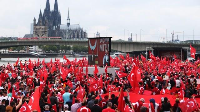 ΣΟΚ και οργή στη Γερμανία: 6.000 Τούρκοι πράκτορες της ΜΙΤ δρουν στη χώρα!