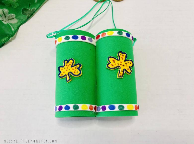 St Patricks Day Craft for preschoolers - toilet roll binoculars