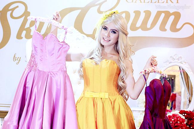 """Party Gown """" Yellow """"    Photographer & Editing By : Wisnu Darmawan ( Klikmg ) Fotografer Purwokerto    Wardrobe By : Skygown"""