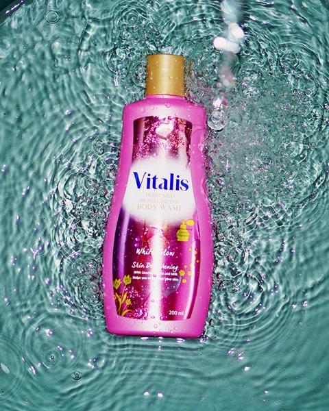 mandi parfum  mandi keharuman, vitalis body wash, sabun kecantikan, glamor, white glow, vitalis body wash white glow