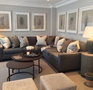 23 contoh desain ruang tamu yang keren dengan sofa warna