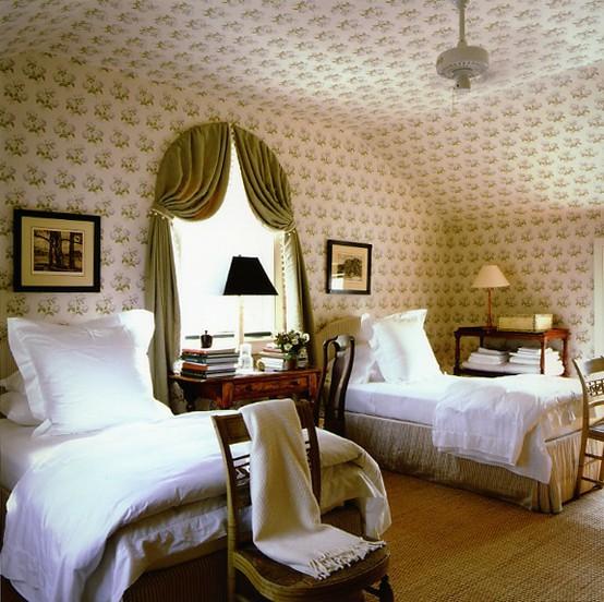 Aesthetic Oiseau Traditional Twin Bedroom
