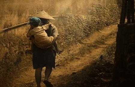 Kumpulan Contoh Puisi Ibu Tersayang Tema Pengorbanan Sedih