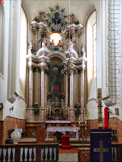 Внутри костела святого Петра и Павла