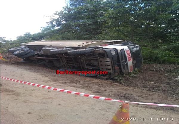 DT Maut HPU Terbalik Di Jalan Houling Batubara. Satu Penumpang Tewas