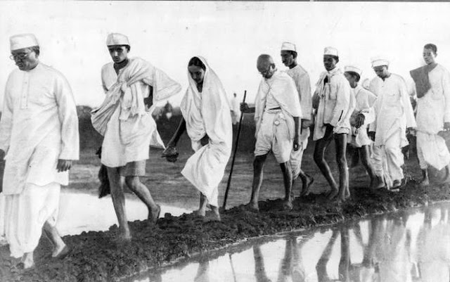 Dandi March Pictures of Gandhi ji Wallpaper