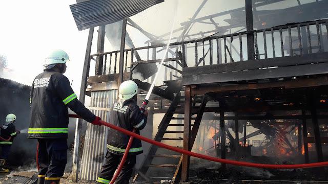 Rumah Pengusaha Kasur Kapuk Terbakar