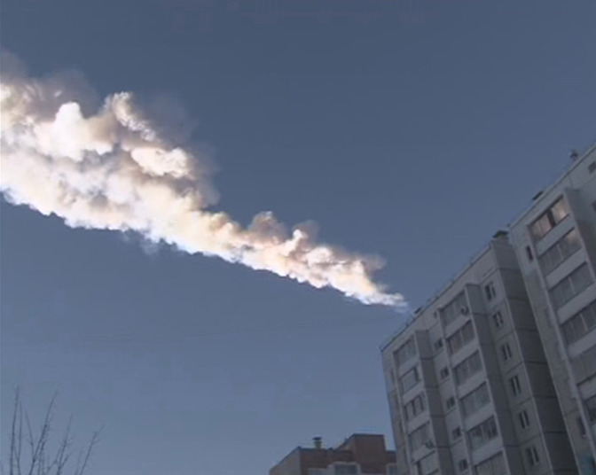 Meteoro Cai na Rússia e Deixa Centenas Feridos