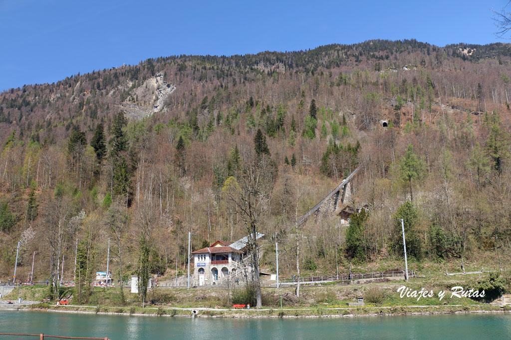 Estación del funicular al Harder Kulm, Suiza