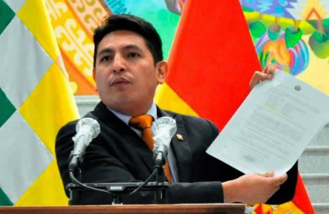 Gobierno consulta al TCP sobre la ley del uso de dióxido de cloro y de censura a ministros