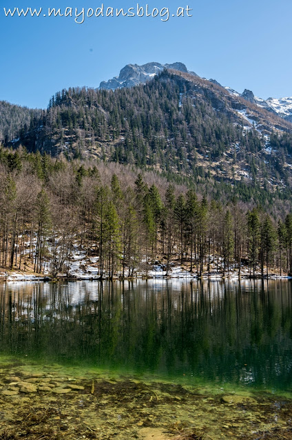 Langbathsee mit Bergpanorama