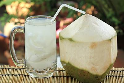 Ini yang terjadi pada tubuh jika seminggu rutin minum Air kelapa, Efeknya mengejutkan...