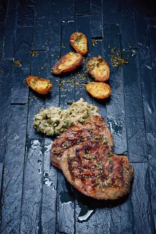 Steaks - Meisterstücke für Männer, das Buch zur Beef! Fotografie: Frank Bauer für Tre Torri | Arthurs Tochter Kocht by Astrid Paul