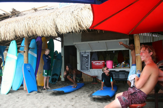 Surf lessons in Bali