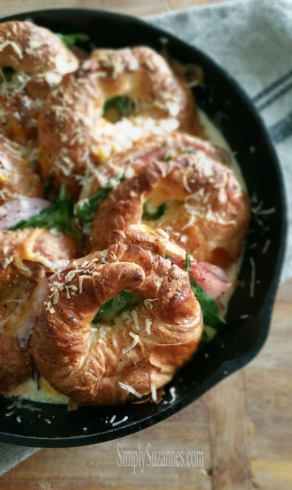 baked ham & cheese croissant