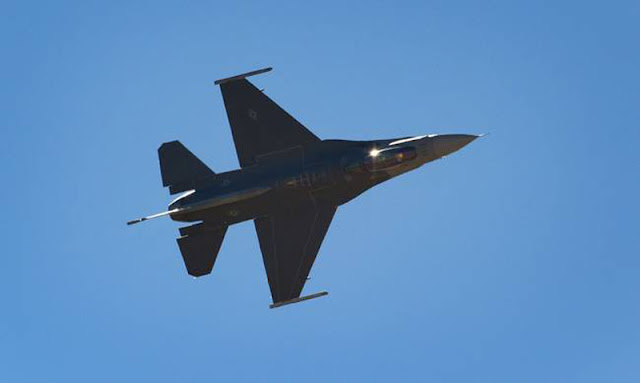 Συγκλονιστικό βίντεο: Πιλότος F-16 λιποθυμά – Ανεξέλεγκτη πτώση